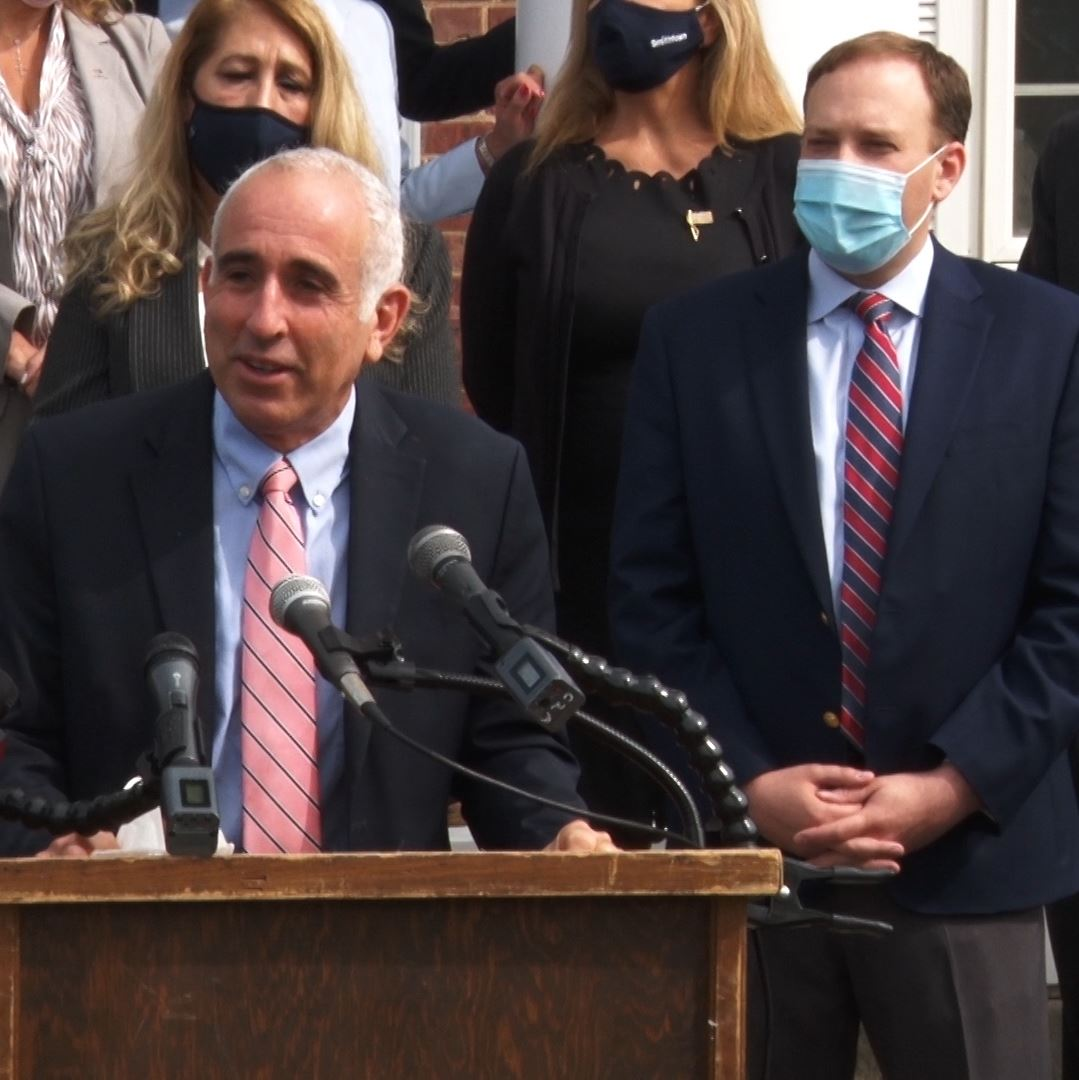 Southampton Supervisor joins other Suffolk County elected officials - pass Pandemic aid to local gov